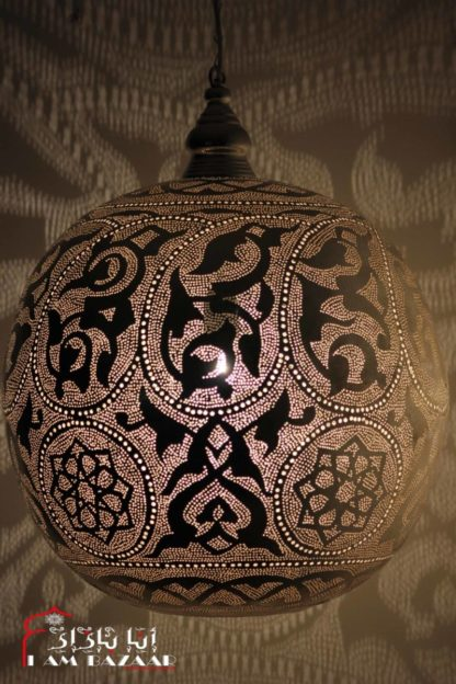 Bollamp met arabesque patroon